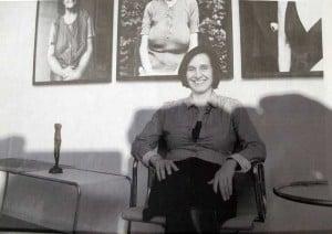 Carola Bluhm (Linke) in ihrem Büro - Quelle: TAZ